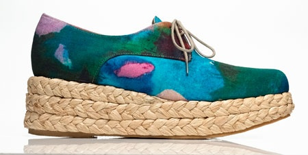 I am in love with these shoes by Opening Ceremony par Robert Clergerie, and I thought they were appropriate for the first blog post
